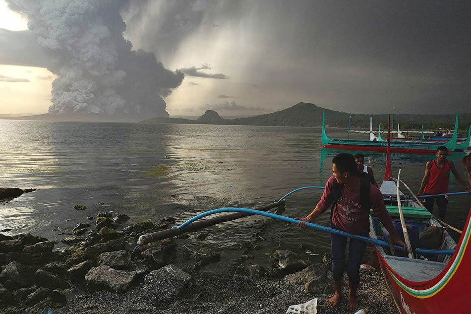 What exactly is a volcanic tsunami—and has it happened before? 2