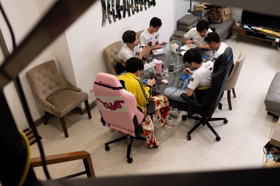 The crazy-serious life inside a Mobile Legends bootcamp, according to a team Madam 13