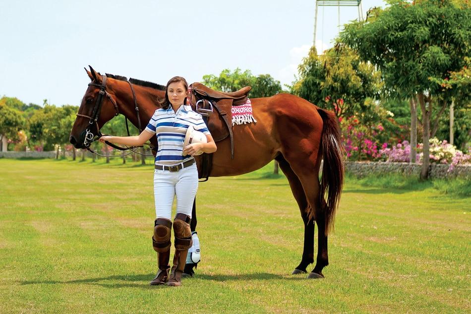 She's the one: Meet polo player Kim Lofgren 5