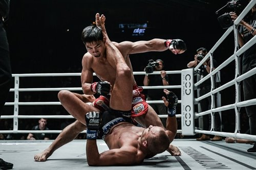 "Folayang on his defeat: ""I don't usually give up my back but I lost my cool"""