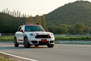 I drove a JCW MINI on one of Thailand's biggest racetracks