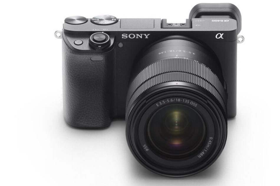 Your smartphone photos are nice, but my mirrorless camera photos are nicer 7