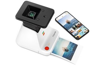 This device transforms your smartphone memories into Polaroid pictures