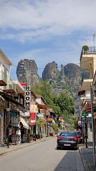 Of monasteries suspended in sandstone pillars 4