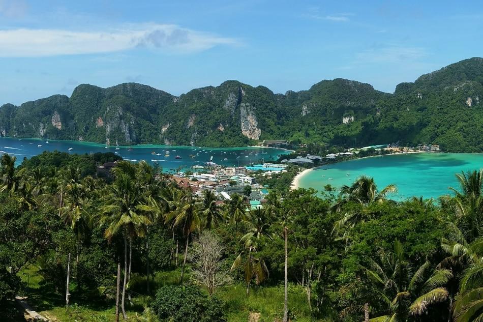 A stunning alternative to Boracay's island party life 2