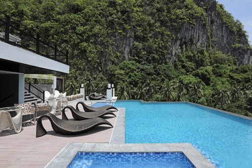This El Nido hotel humbles itself to its majestic environs