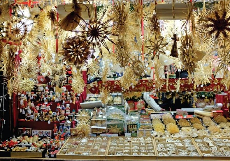 Christkndlmarkt no.5: Munich at Christmas is folsky, sophisticated, magical 6