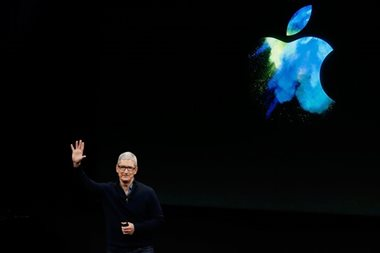 Apple considering expansion into wearable glasses: report