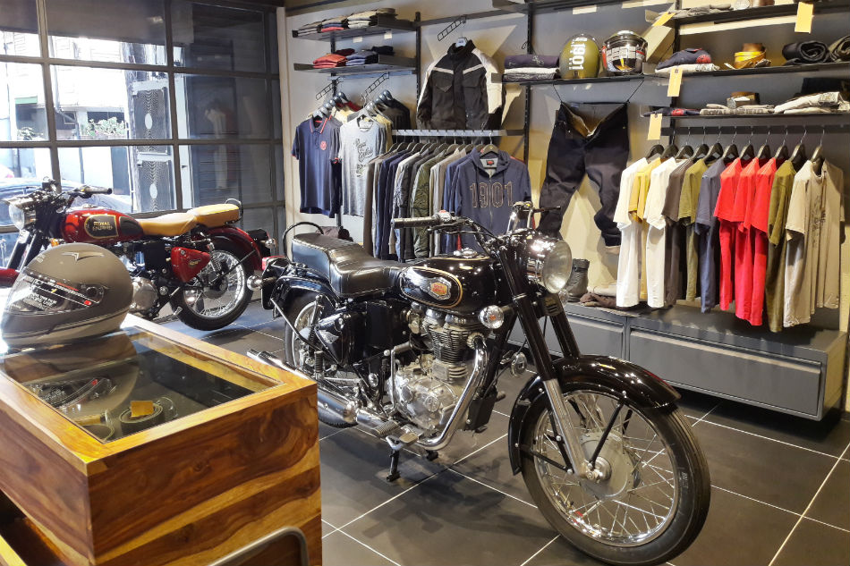 Accessories For Man Cave Uk : Royal enfield sets up man cave for motorcycle enthusiasts