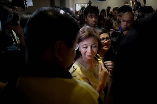 Robredo resignation receives mixed reactions