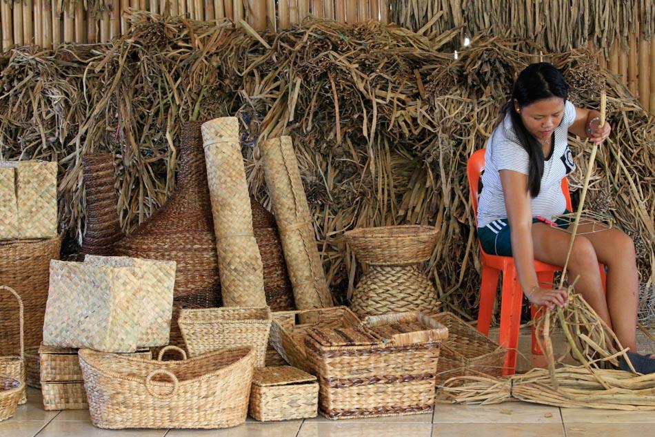 La Pinas Handicrafts For Export Abs Cbn News