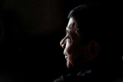 SWS: Duterte keeps 'very good' grade but slurs worry Pinoys