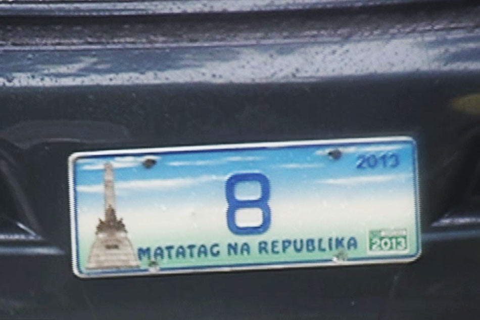 Congressmen told to return protocol car plates