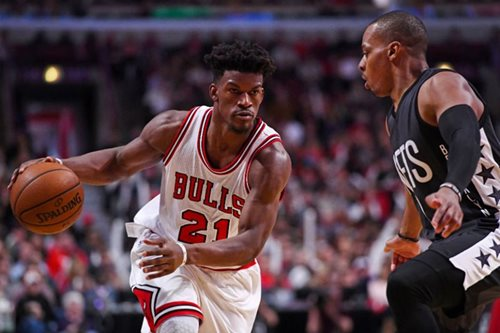 'Phenomenal' Butler lifts Bulls over Nets