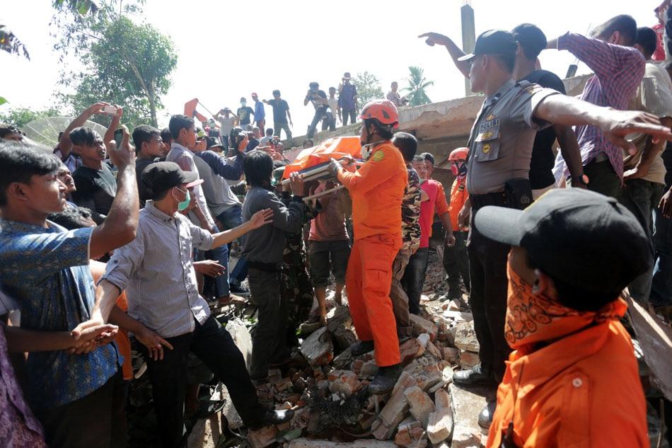 52 killed in Indonesia quake;