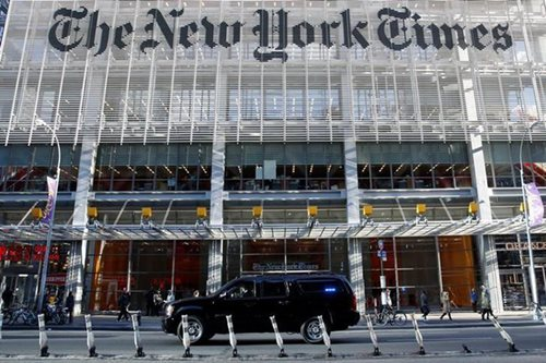 Apple pulls New York Times app from iTunes store in China