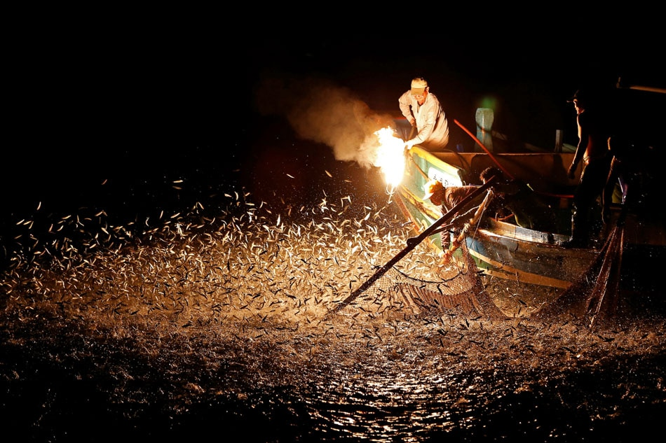 Fire Fishing;