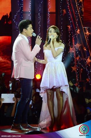 LOOK: Kapamilya Loveteams at the ABS-CBN Christmas Special 2014
