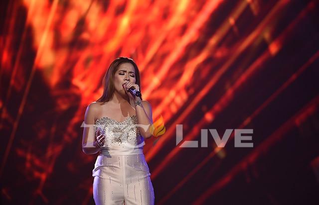 Angeline onstage in Abu Dhabi!